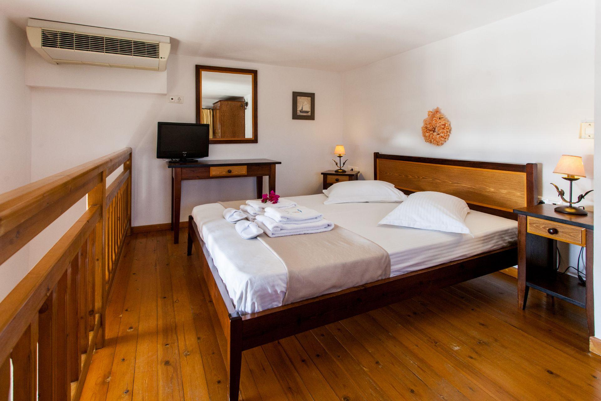 Loft Room Sea View (5)